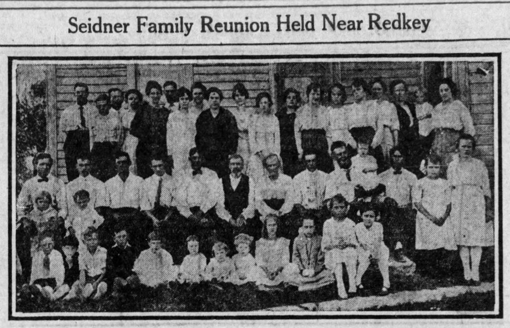 Family reunion photo from 1919 Indiana (Muncie Morning Star, 09.27.1919)